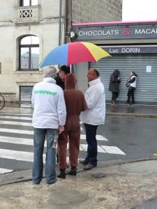 Rencontre sous un parapluie