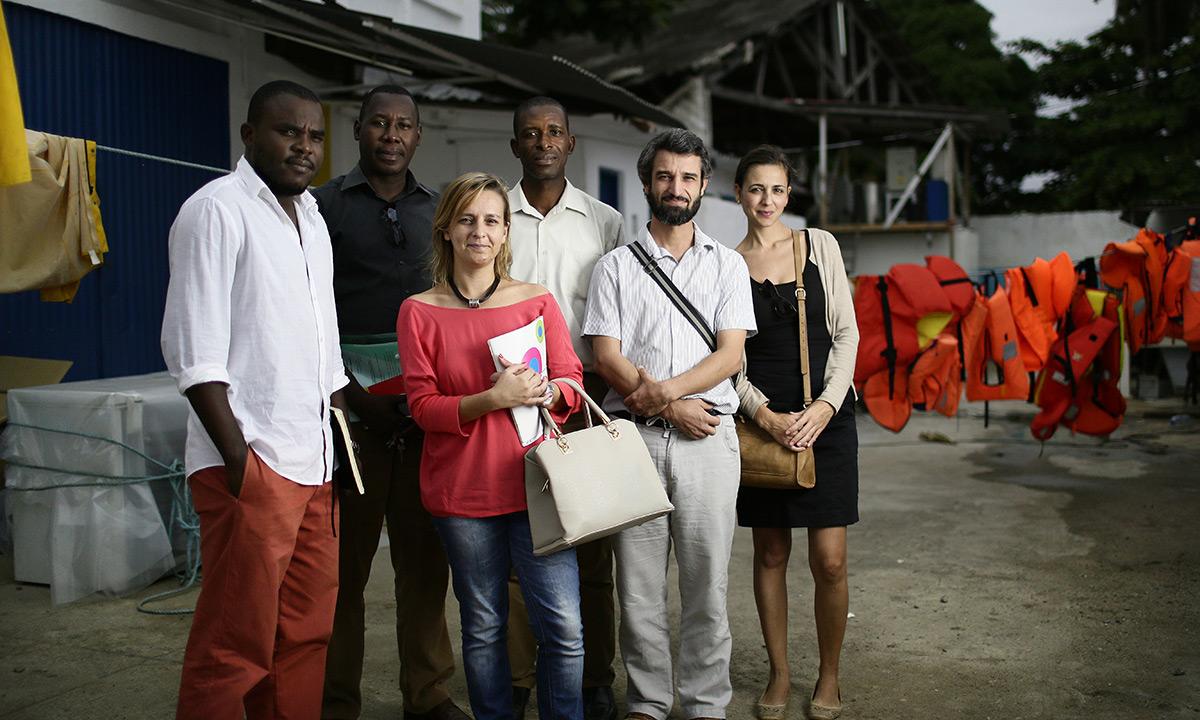 Des membres de l'équipe Rede Bio, une plateforme de sept ONG formée après une grande mobilisation de la société civile contre le projet d'expansion de la Socfin à Sao Tomé. Après avoir réussi à contenir celle-ci, les organisations de la société civile ont décidé de mettre leurs forces en commun pour défendre plus efficacement les populations et les ressources naturelles du pays. © Micha Patault / Greenpeace