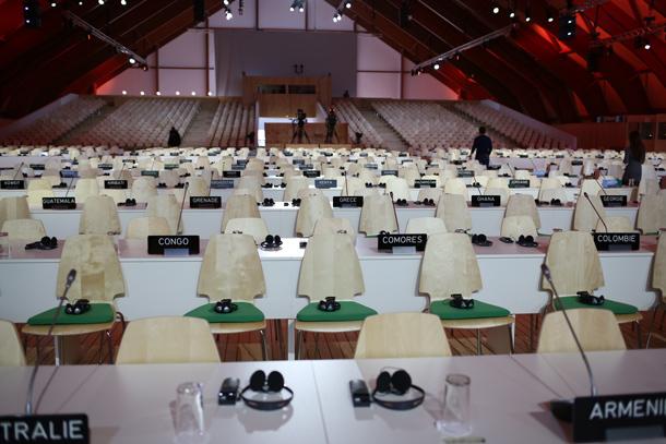 COP21, Le Bourget, salle plénière, 2015 © Christophe Calais / Signatures / Greenpeace