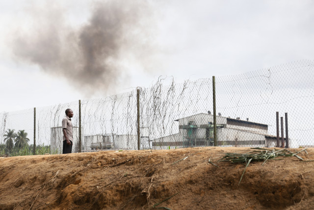Une rafinerie d'huile de palme de la Socapalm au Cameroun. © Micha Patault / Greenpeace
