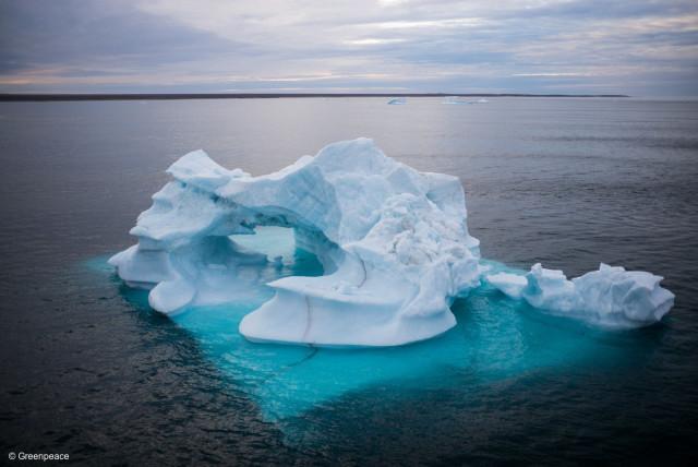 Iceberg au large de Clyde River, Nunavut, Canada, août 2016