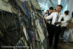 Téléphones portables : pollution au bout du fil
