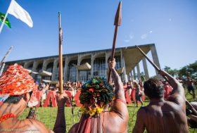Brésil : offensive du gouvernement contre les droits des populations autochtones