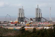 Nucléaire sous perfusion : Greenpeace porte plainte