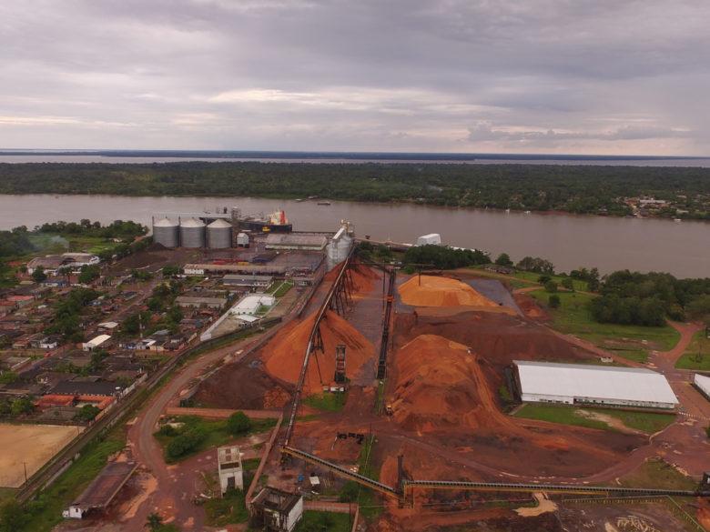 Exportation du soja dans le port de Santana, au Brésil