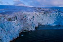 Javier Bardem vous emmène en Antarctique.