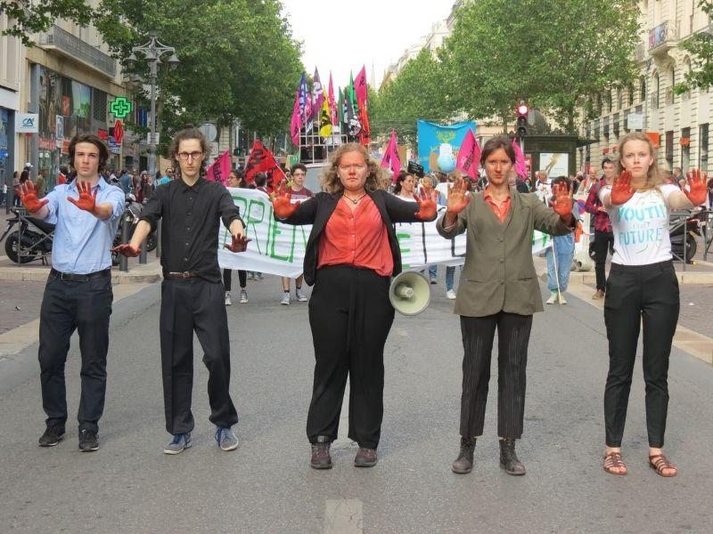 Photo des Youth for Climate qui défilent sur la Canebière