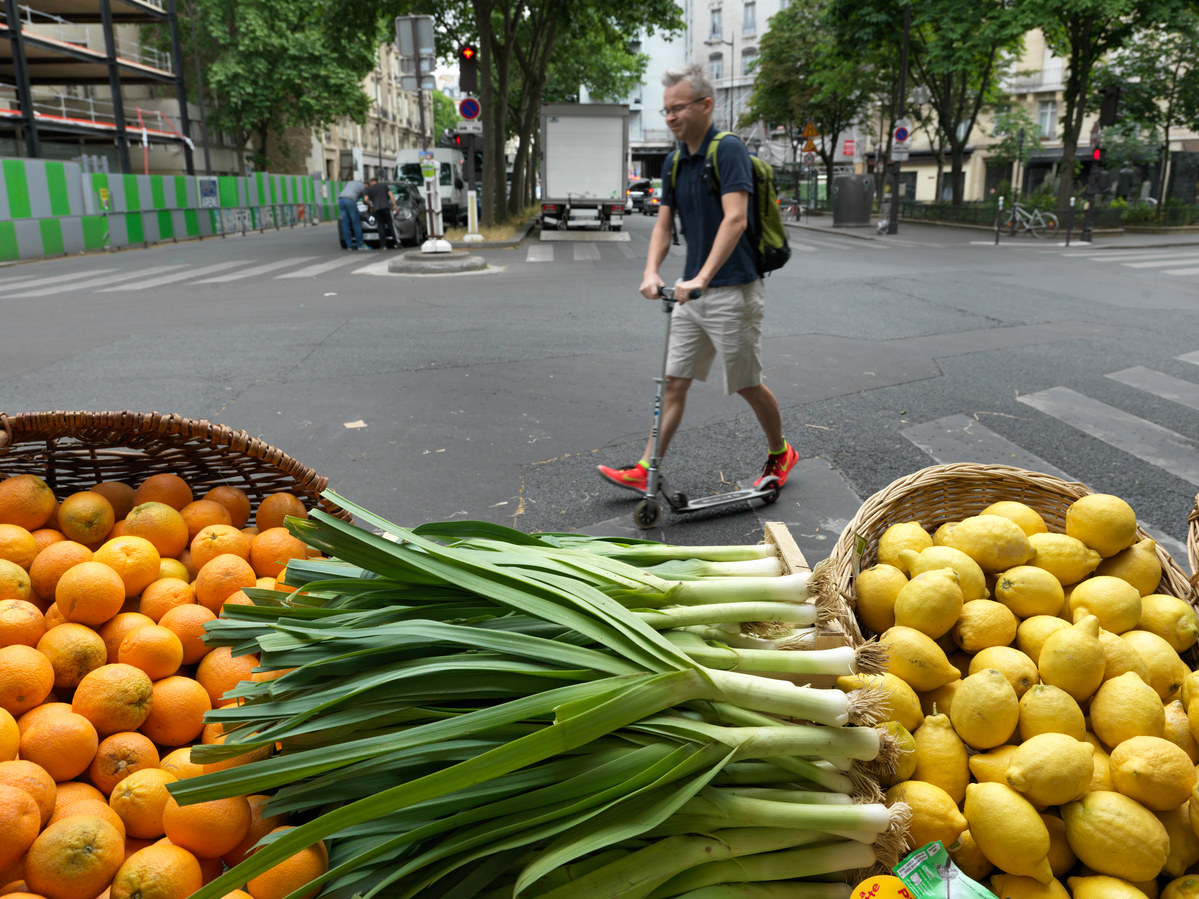 Ecological Produce at Farmers Market in Paris. © Peter Caton