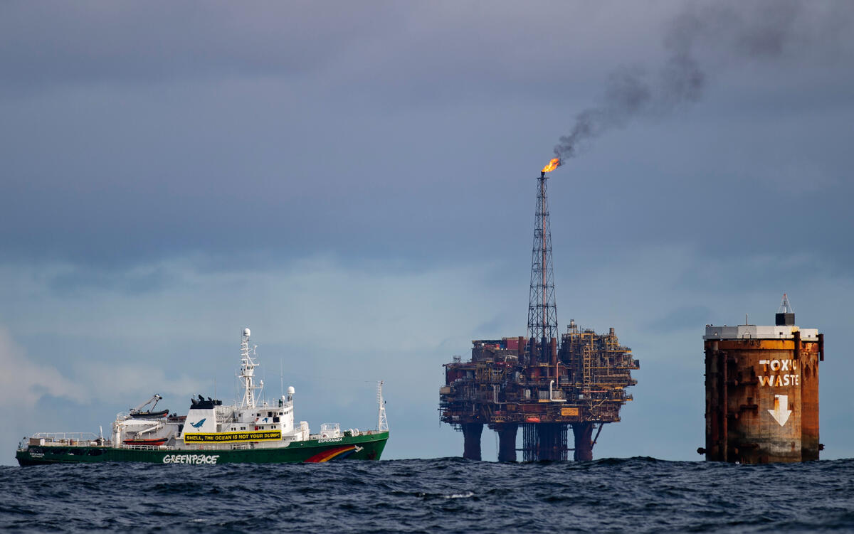 Activists Protest against Shell in the North Sea. © Marten  van Dijl