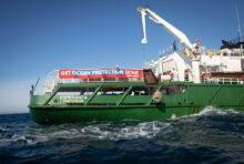 Greenpeace UK stoppe la pêche destructrice dans la Manche